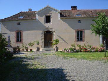 Maison ancienne à Sombrun