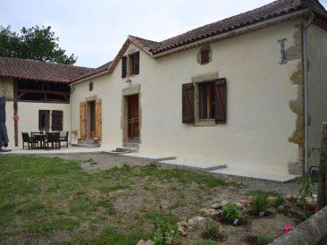 Maison ancienne à Armentieux