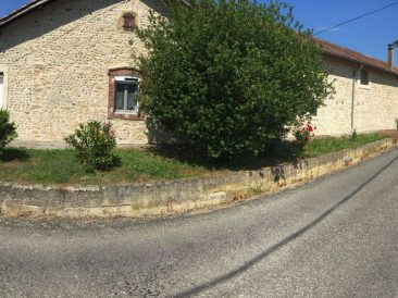 Maison ancienne à Auriébat
